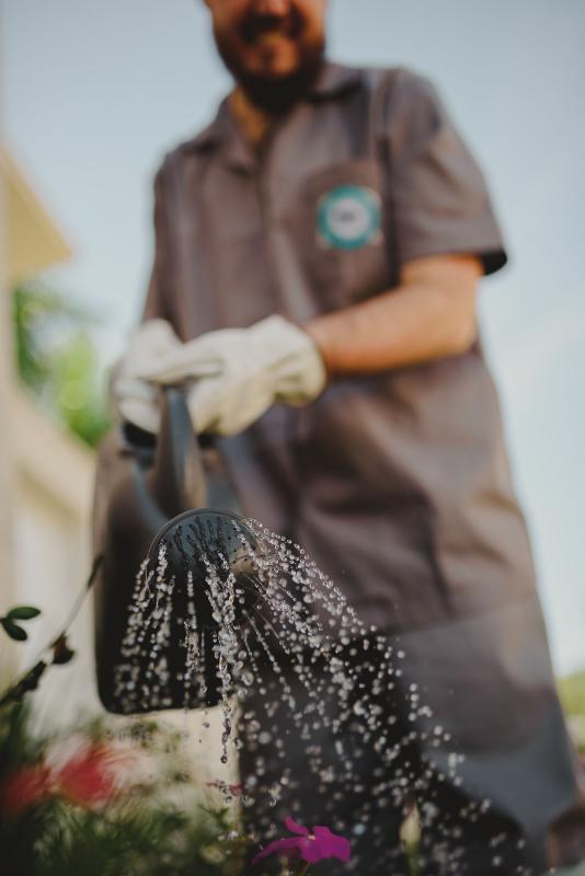 Empresa de jardinagem e limpeza
