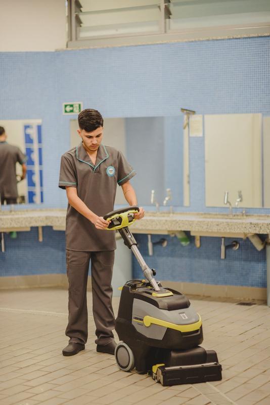 Empresa de limpeza de fábricas